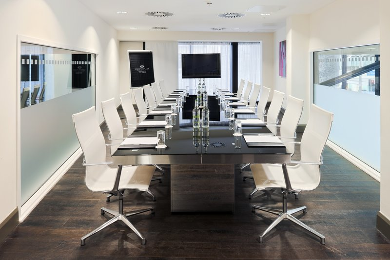Crowne Plaza Manchester meeting rooms for freelancers and remote workers