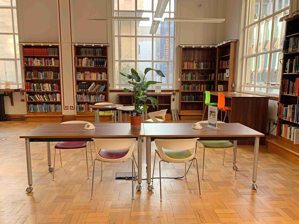 Westminster Reference Library free workspace near Picadilly Circus