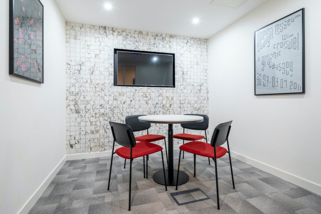 Boutique Ealing Small Private Meeting Room for interviews