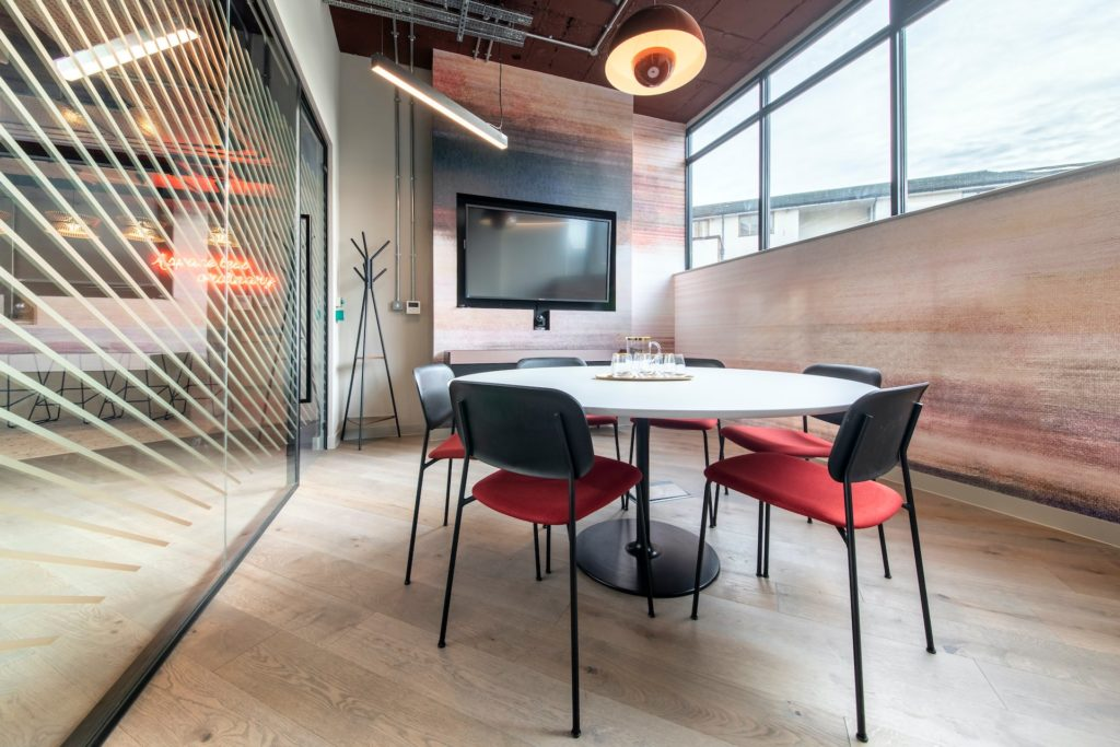 Boutique Ealing Small Private Meeting Room for coworking