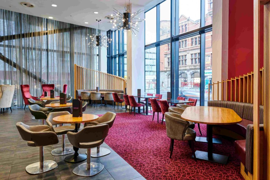 Crowne Plaza Manchester free hotdesking for freelancers and remote workers
