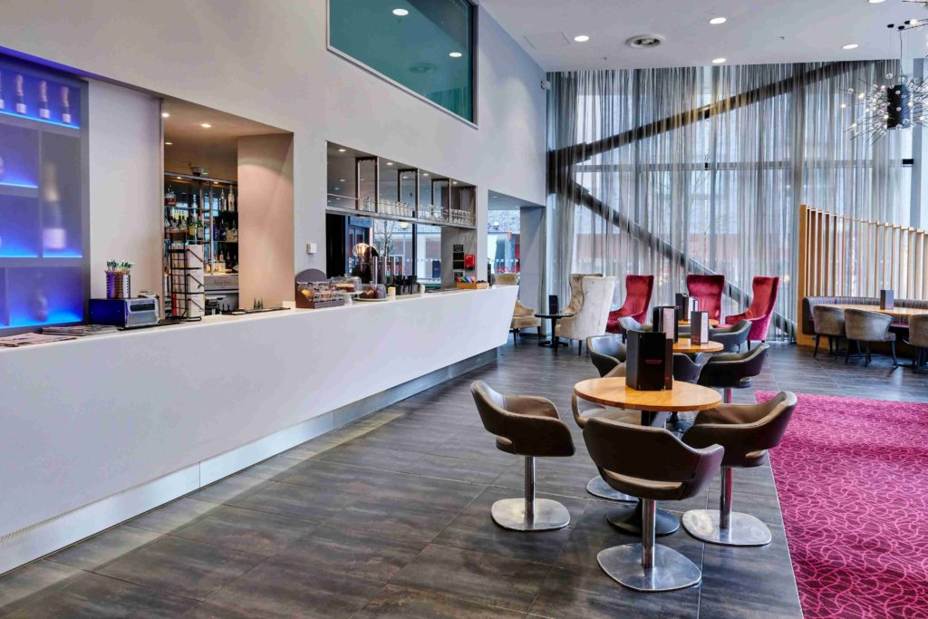 Crowne Plaza Manchester free workspace for freelancers and remote workers with free coffee