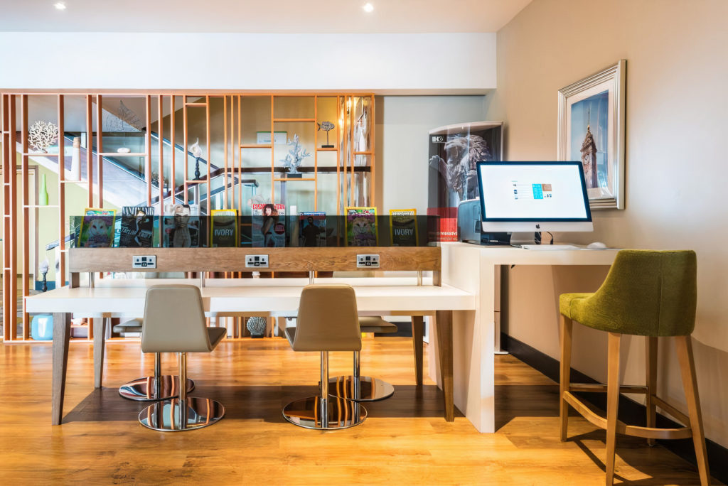Holiday Inn Brighton Seafront free workspace for coworking holidays